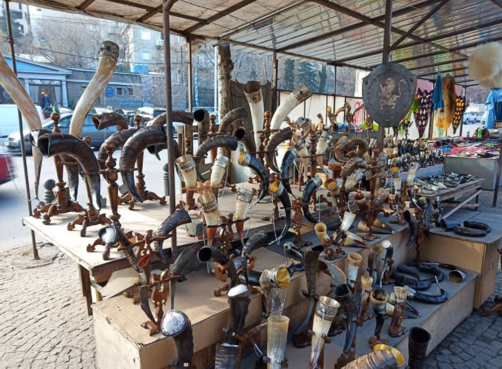 Блошиный рынок Сухой мост