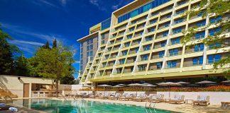 Лучшие отели в Тбилиси с бассейном