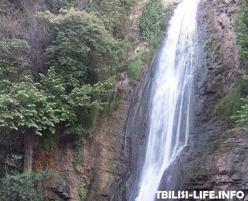 Водопад - Тбилиси в июне