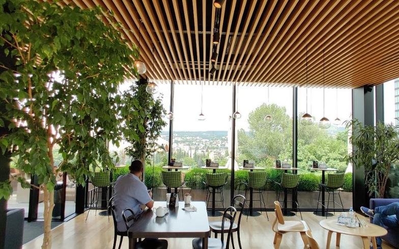 Iveria кафе в Тбилиси с красивым видом