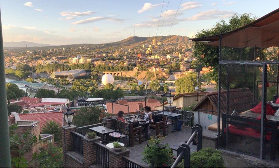 Тбилиси кафе с красивым видом на город