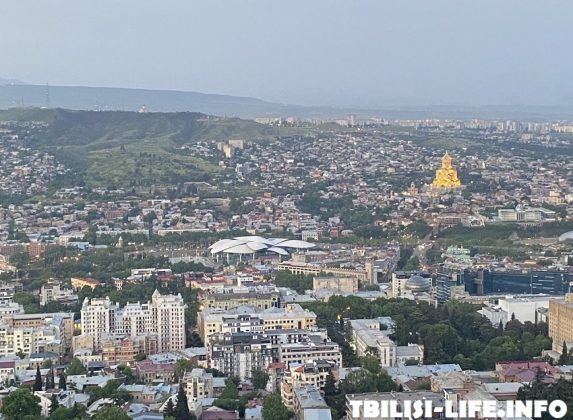 Тбилиси с фуникулера и Мтацминды