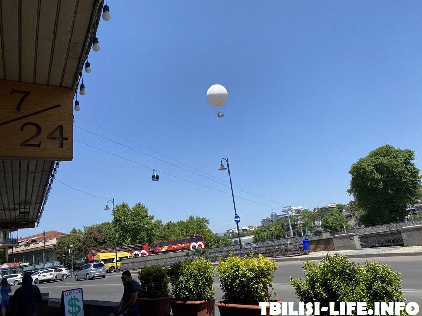 Центр Тбилиси, канатная дорога на Нарикалу