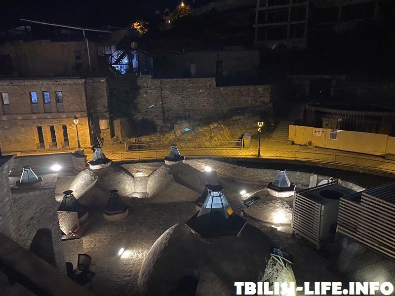 Купола бани в Тбилиси