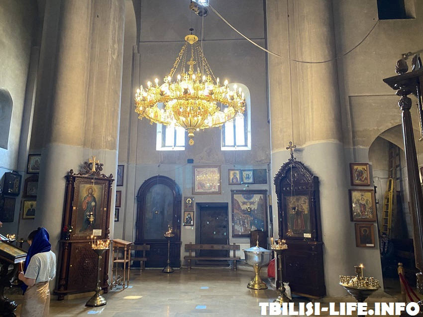 Церковь Метехи внутри