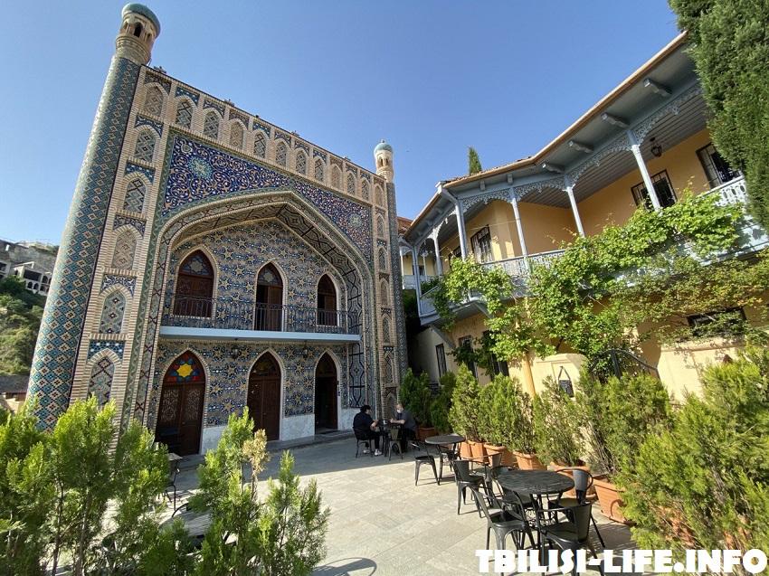 Пестрая баня в Тбилиси